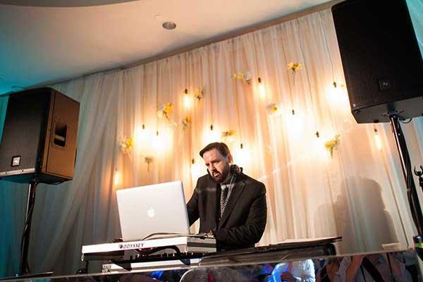 DJ Evan Reitmeyer - MyDeejay